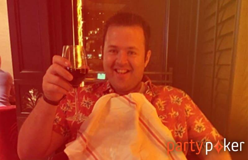 Победитель благотворительной кампании от partypoker — британец Том Смит