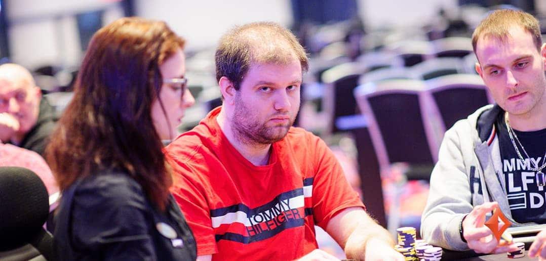 Даниэль Смилькович занимает первые строки в лидерборде финального стола MILLIONS Online